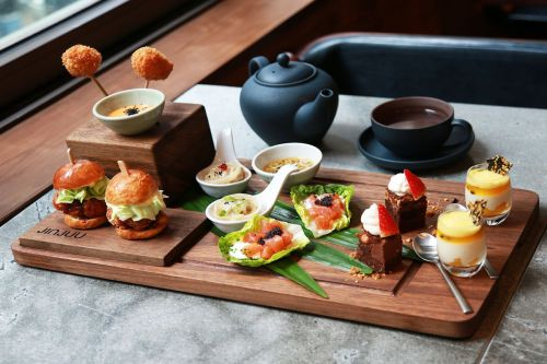 Jinjuu-Afternoon-Tea-1